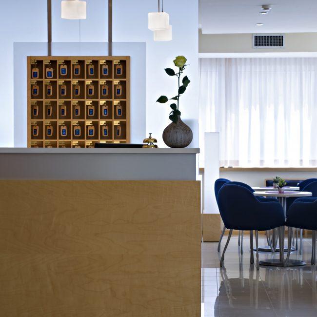 La reception dell'active hotel Renania a Bibione