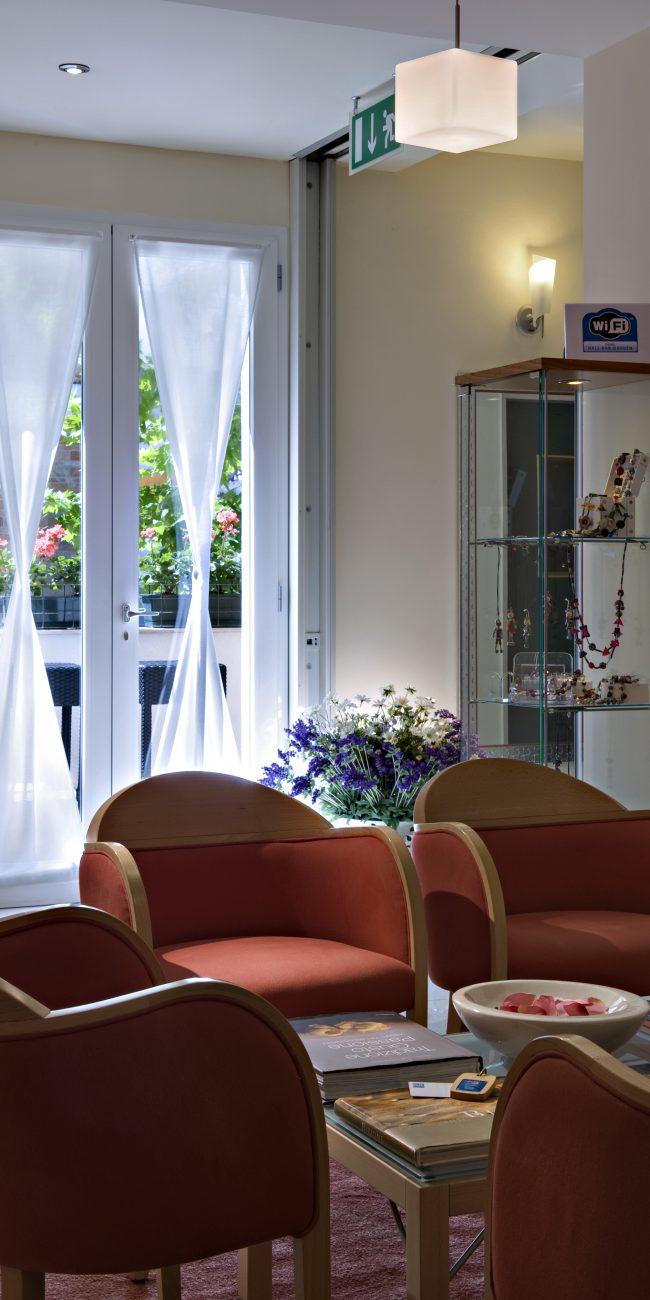 Il salottino dell'hotel Renania 3 stelle a Bibione