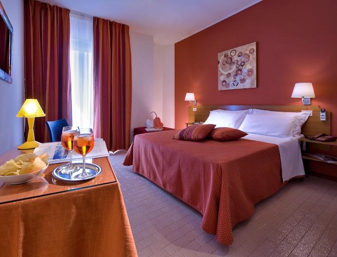 La camera doppia con balcone dell'hotel Renania