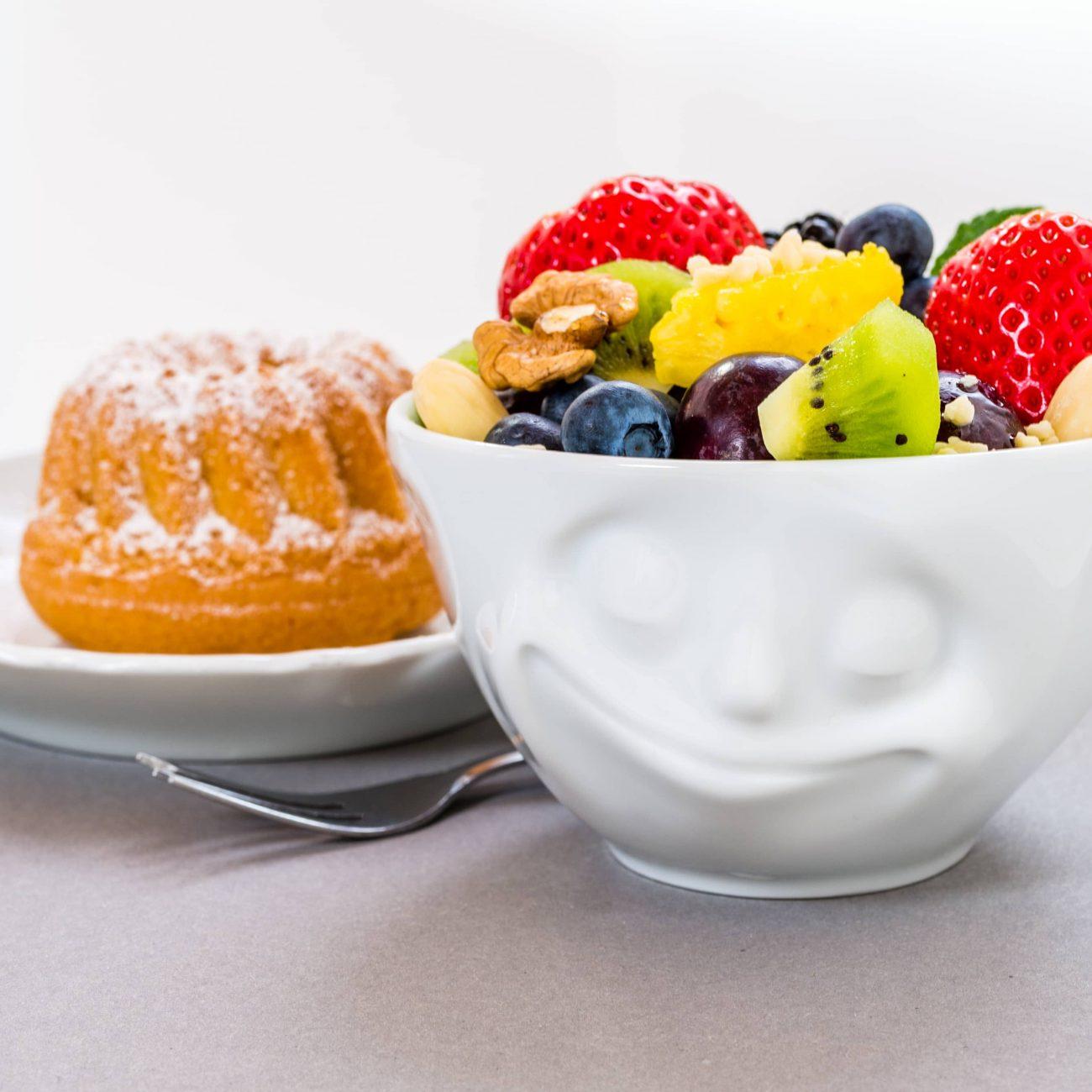 Tazzina di frutta e dolcetto