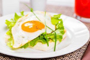 Uova a colazione al Renania